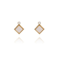 COLOR STUD WITH PEARL_E495-WH